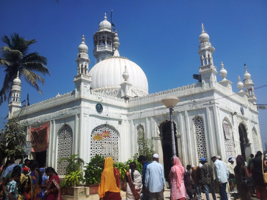White Mosque in Mumbai