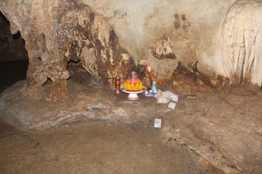 Oferenda em caverna
