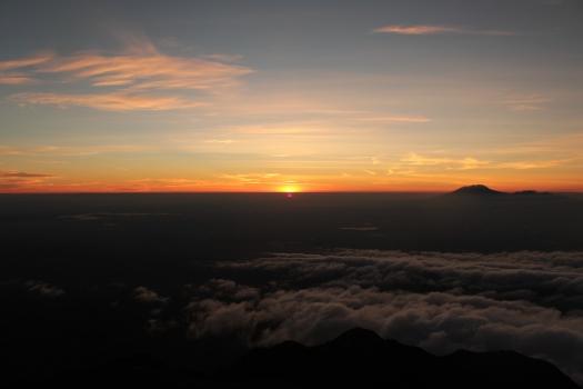 Nascer do Sol no Vulcão Merapi